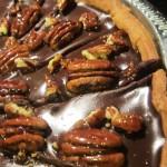 Tarte au chocolat et noix de pécan caramélisées
